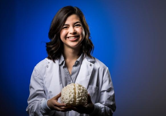 1704-02 Erin Kasada and Brain 0001