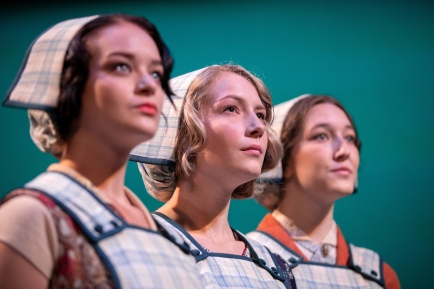 1810-65 236 The Radium Girls (left-right): Irene (Janelle Long), Grace (Mikah Vaclaw), and Kathryn (Meg Flinders). 1810-65 Radium Girls PLAY October 17, 2018 Photo by Jaren Wilkey/BYU © BYU PHOTO 2018 All Rights Reserved photo@byu.edu (801)422-7322